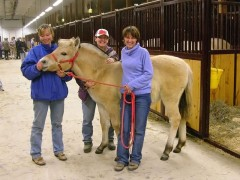Bluebird Lane Sparrow's first filly, Andi Falkspyd, with (left to right) Andi's breeder Peggy Spear, Lori, and new owner Carol Boehm